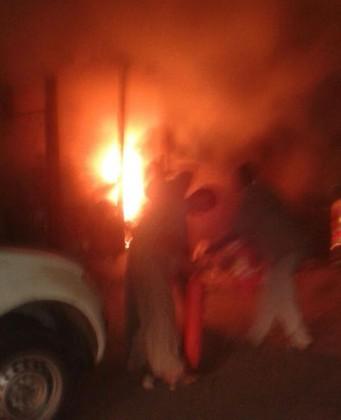 مجهول-يشعل-النار-في-سوبر-ماركت (1)