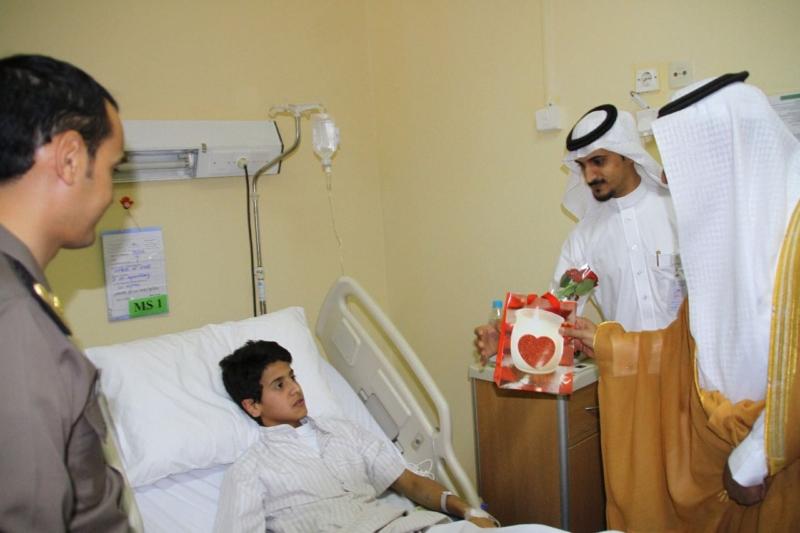 محافظ بلقرن يعايد المرضى بالعلاية والبشائر (736224719) 