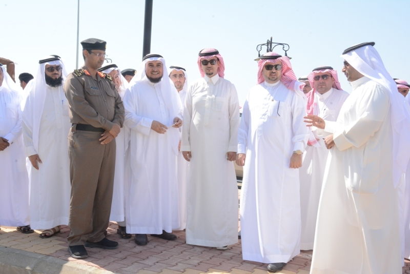 محافظ #محايل يتفقد مركز بحر أبو سكينة (2)