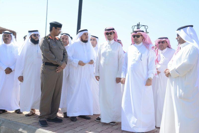 محافظ #محايل يتفقد مركز بحر أبو سكينة (4)