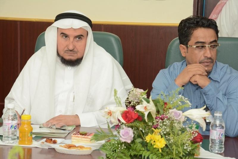 محافظ #محايل يتفقد مركز بحر أبو سكينة (7)