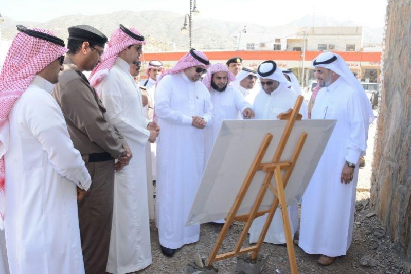 محافظ #محايل يتفقد مركز بحر أبو سكينة (8)