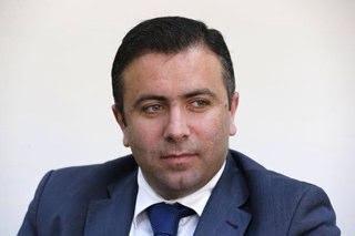 محامي لبناني