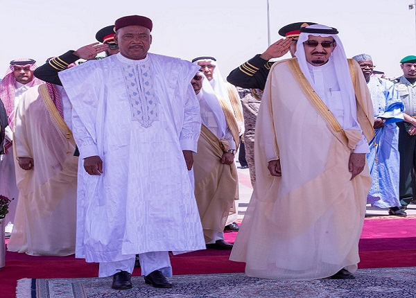 محمد-ايسوفو-رئيس-النيجر-يصل-الرياض