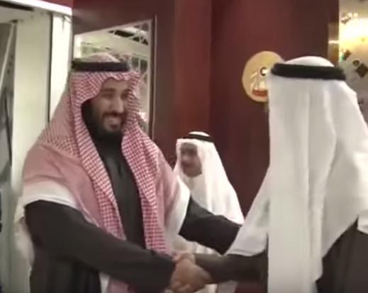 محمد-بن-زايد-يتقبل-محمد-بن-سلمان