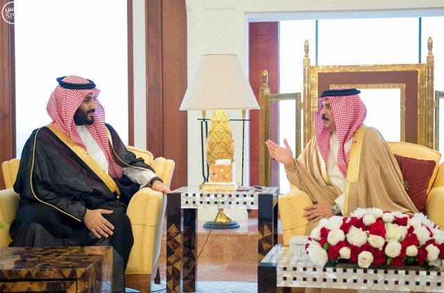 #عاصفة_الحزم تتصدر مباحثات ملك البحرين ومحمد بن سلمان في المنامة