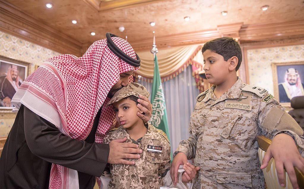 محمد-بن-سلمان-وابناء-الشهيد-السهيان (2)