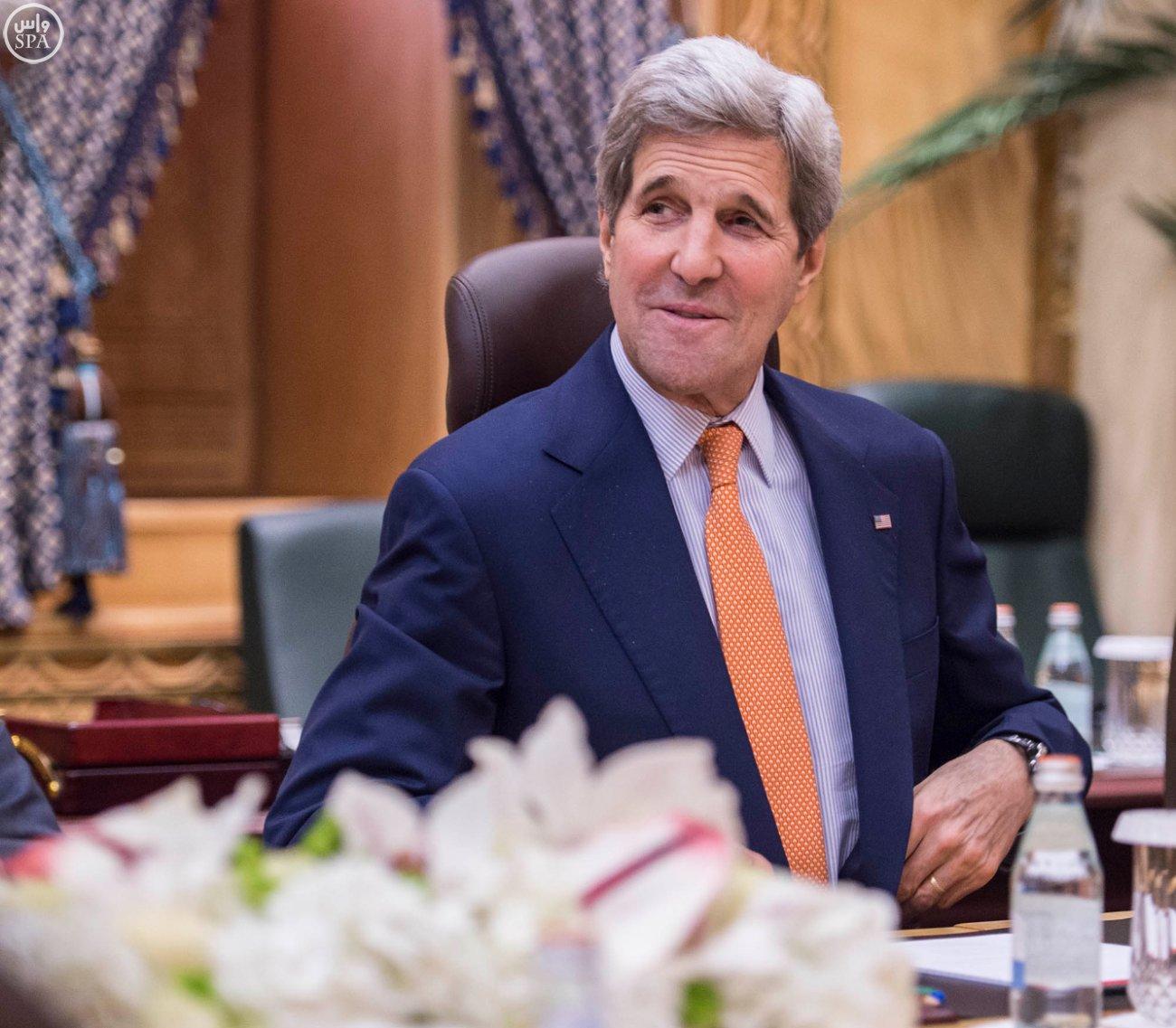محمد بن سلمان يجتمع بوزير الخارجية الامريكي جون كيري2