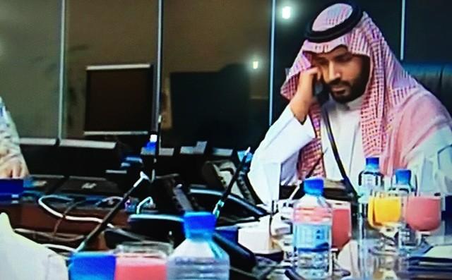 محمد-بن-سلمان-يجري-اتصالاته-لحظة-عاصفة-الحزم (2)
