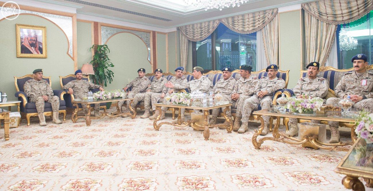 محمد بن سلمان يستقبل كبار القادة والمسئولين في وزارة الدفاع بمناسبة عيد الفطر (1)