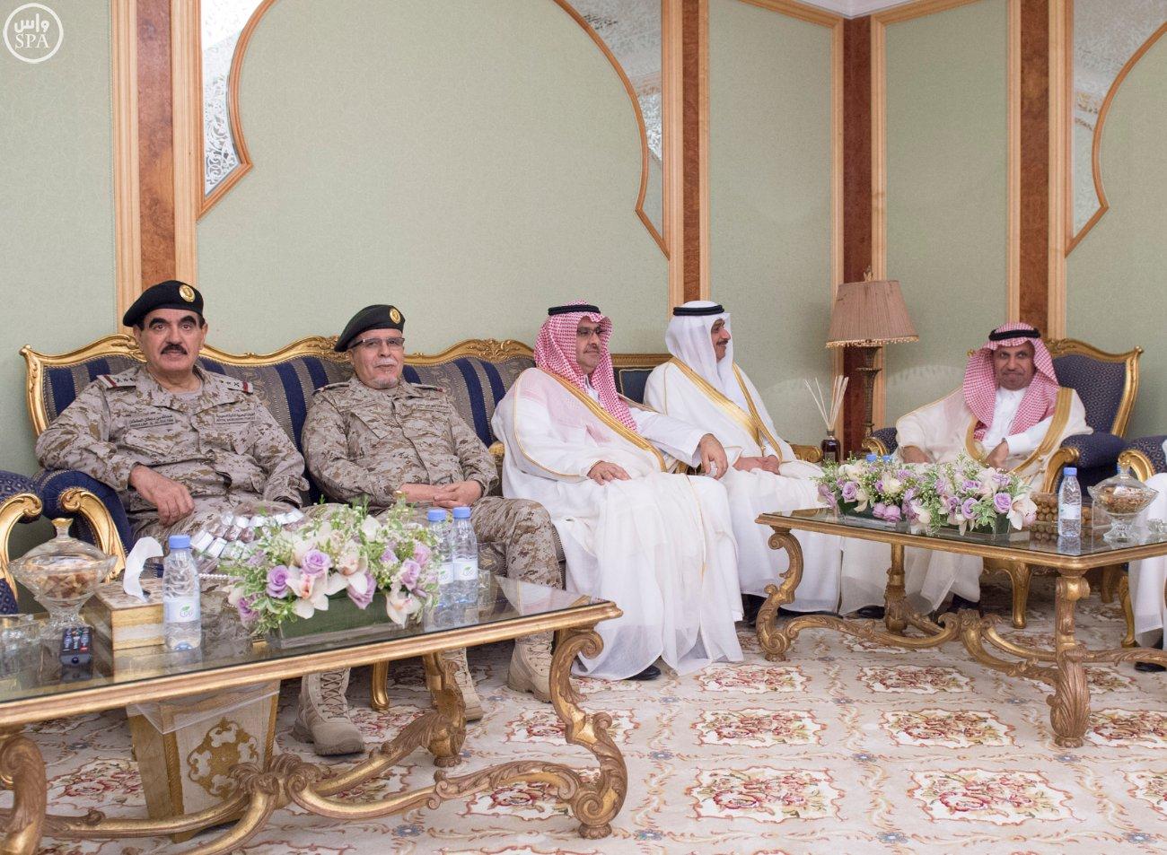 محمد بن سلمان يستقبل كبار القادة والمسئولين في وزارة الدفاع بمناسبة عيد الفطر (7)