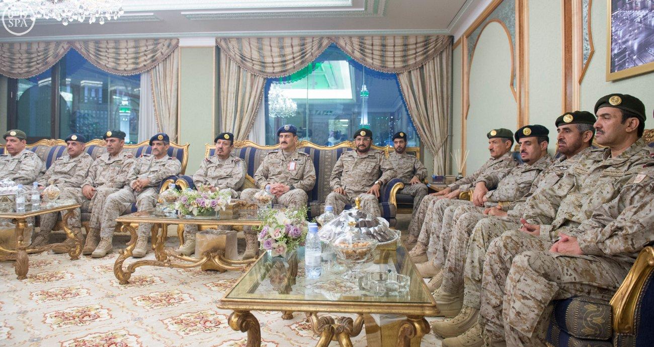 محمد بن سلمان يستقبل كبار القادة والمسئولين في وزارة الدفاع بمناسبة عيد الفطر (8)