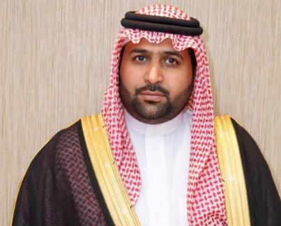 نائب أمير جازان يقدم تعازي القيادة لذوي الشهيد حمدي