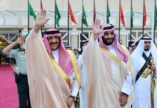 شاهد بالصور.. محمد بن نايف ومحمد بن سلمان يودِّعان ملك المغرب