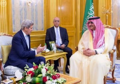 محمد بن نايف وجون كيري وزير خارجية امريكا