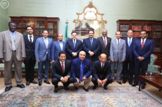 محمد بن نواف يستقبل اعضاء الاتحاد (2)