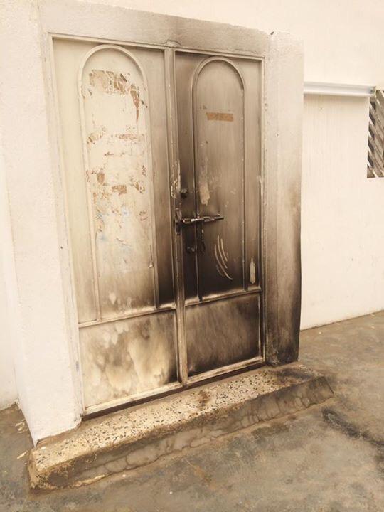 مختل يحرق مسجد (1)