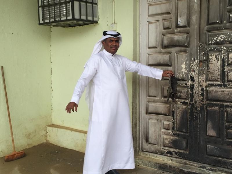 مختل يحرق مسجد (3)
