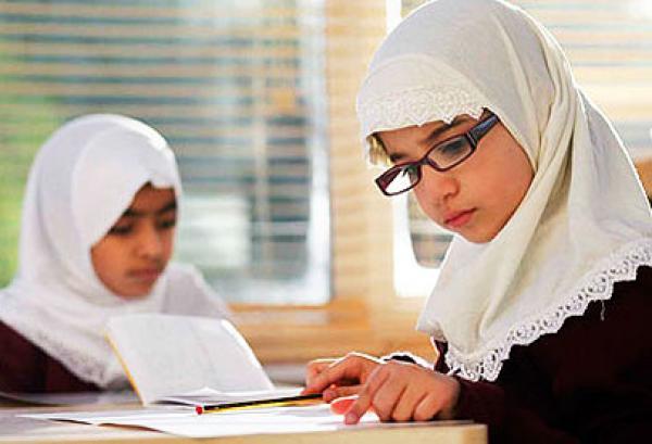 مدارس بريطانيا تدعو الطلاب المسلمين للافطار في رمضان