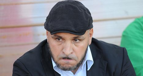مدرب نادي الرائد الجزائري نورالدين بن زكري