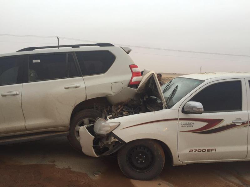 مدني الغزالة يباشر تصادم 4 شاحنات وعدد من المركبات8