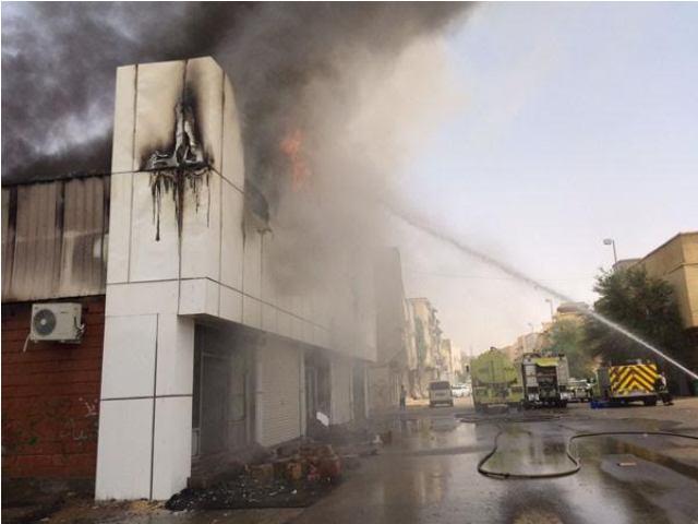 مدني-القصيم-يخمد-حريق (2)