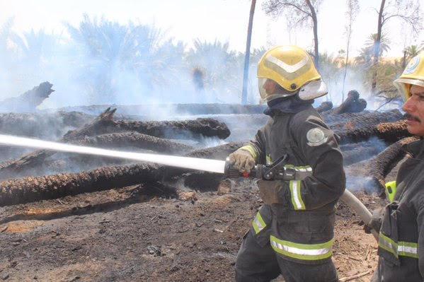 مدني بريدة يباشر حريقاً بمزرعة في المريدسية (1) 