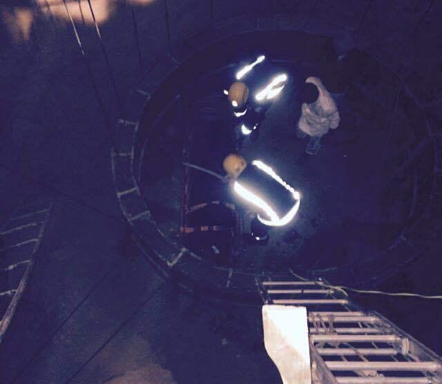 مدني بيشه ينقذ شاب سقط بخزان تحت الانشاء (1)