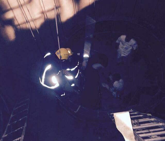 مدني بيشه ينقذ شاب سقط بخزان تحت الانشاء (3)