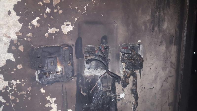 مدني تبوك يُخمد حريقا اندلع في شفة بسبب التماس كهربائي