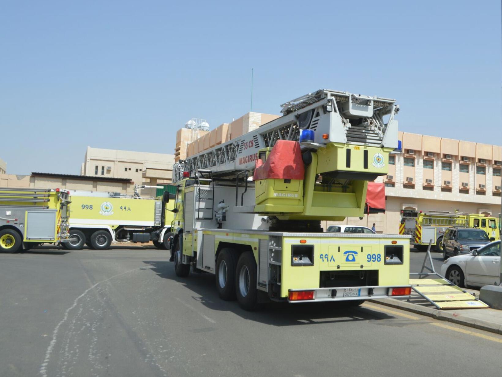 مدني جدة يباشر إخلاء مدرسة بنات بعد تعليق الجرس (3)