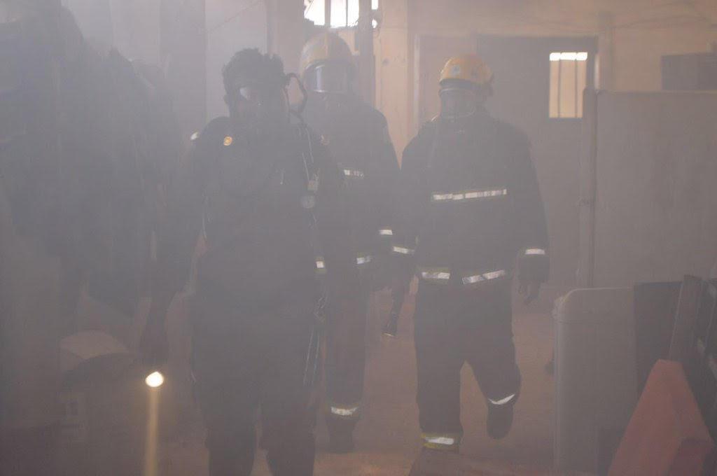 مدني رفحاء يباشر حريقاً بسكن عمال 1