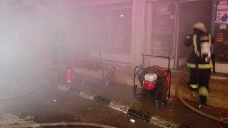 مدني #عرعر يباشر حريقاً بمحل سباكة (1)
