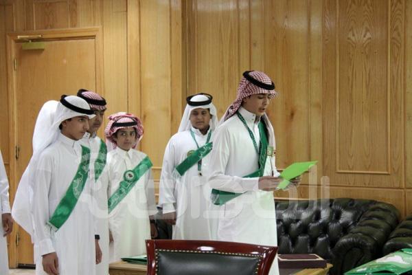 مدير تعليم القريات يستقبل طلاب المدارس المهنئين باليوم الوطني2
