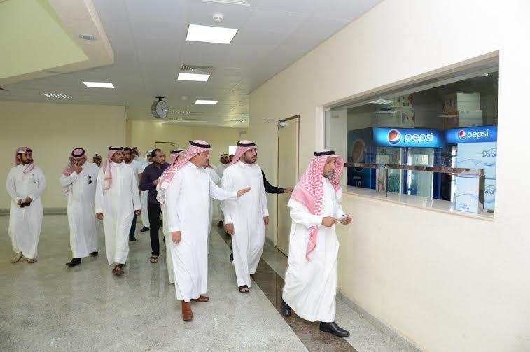 مدير جامعة الملك خالد يتفقد المجمع الأكاديمي الجديد بتهامة عسير 2