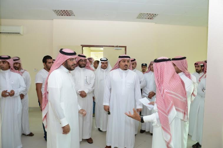 مدير جامعة الملك خالد يتفقد المجمع الأكاديمي الجديد بتهامة عسير 3