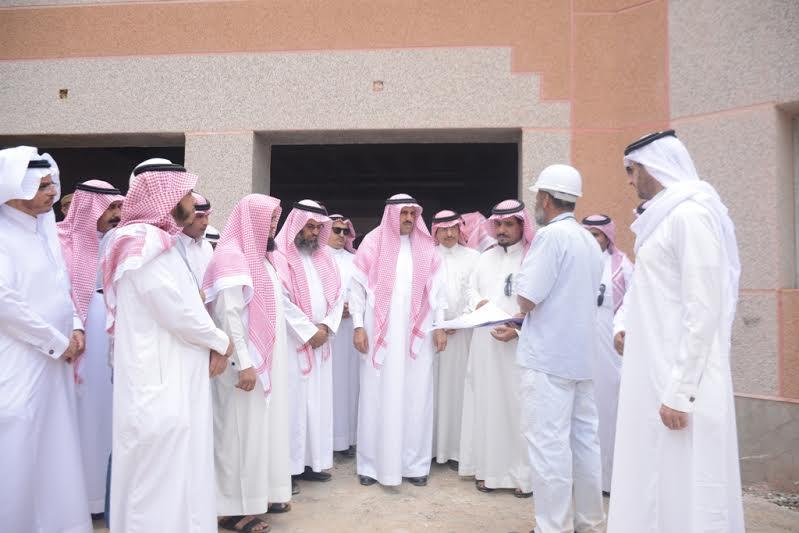 مدير جامعة الملك خالد يزور مصابي الحد الجنوبي 5