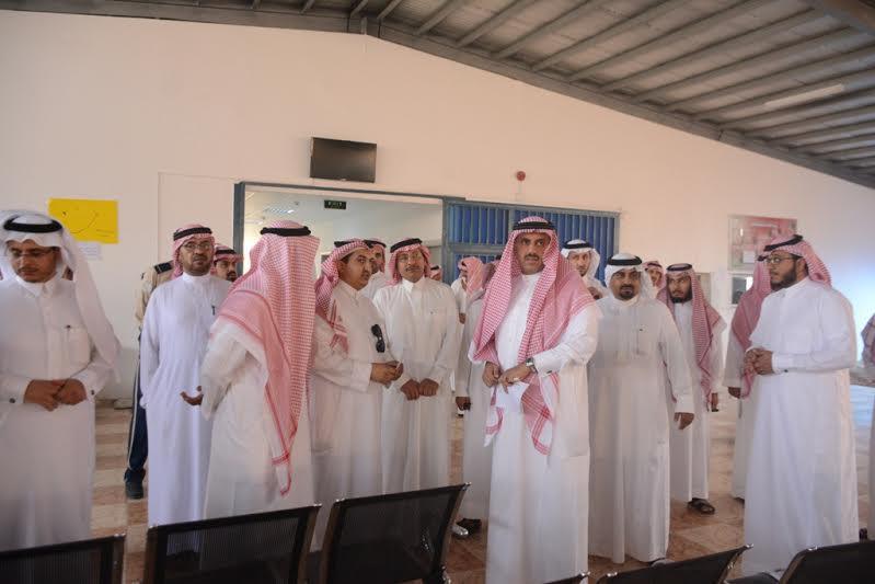مدير جامعة الملك خالد يزور مصابي الحد الجنوبي 6