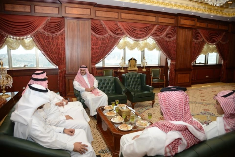 مدير جامعة الملك خالد يستقبل رئيس مجلس خميس مشيط البلدي