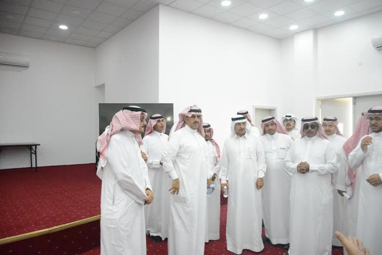 مدير جامعة الملك خالد يطالب بسرعة تسليم عدداً من المباني المستعجلة 1