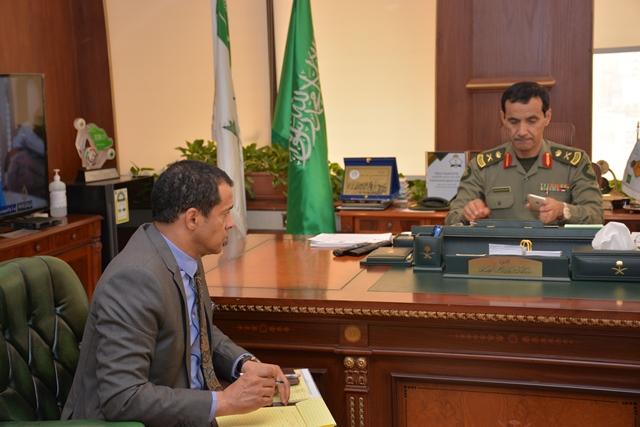 مدير جوازات الرياض يبحث مع قنصل مصر أوضاع الجالية وتوعيتهم بالأنظمة (2)