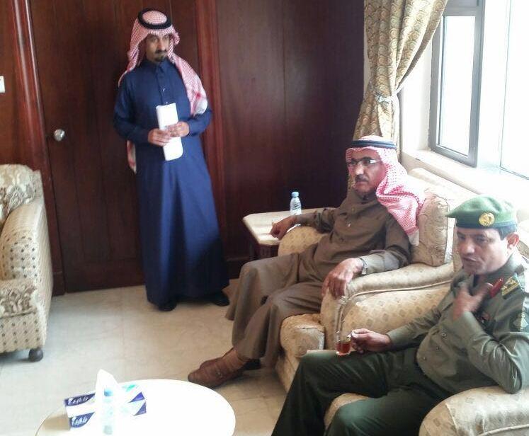 مدير جوازات عسير العميد سعد بن ابراهيم الخالدي يتفقد شعبة جوازات خميس مشيط (1)