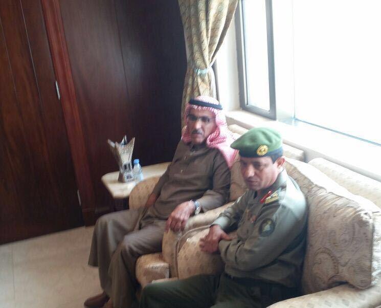 مدير جوازات عسير العميد سعد بن ابراهيم الخالدي يتفقد شعبة جوازات خميس مشيط (2)