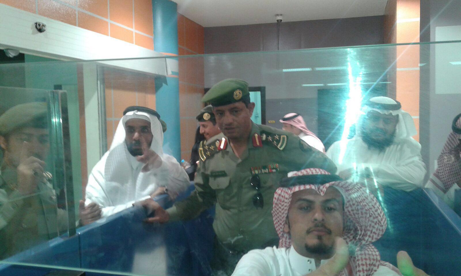 مدير جوازات منطقة عسير يتفقد جوازات مطار ابها الإقليمي ويلتقي مدير عام المطار (1)