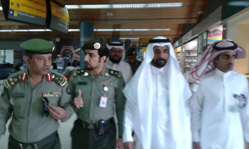 مدير جوازات منطقة عسير يتفقد جوازات مطار ابها الإقليمي ويلتقي مدير عام المطار (3)