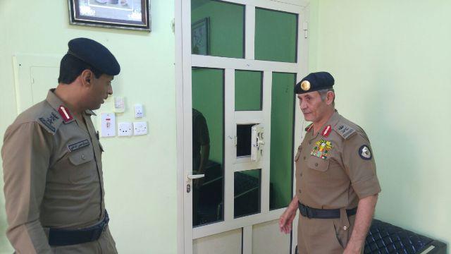 مدير شرطة #جازان لرجال المرور خدمة المراجعين هدفكم (1)