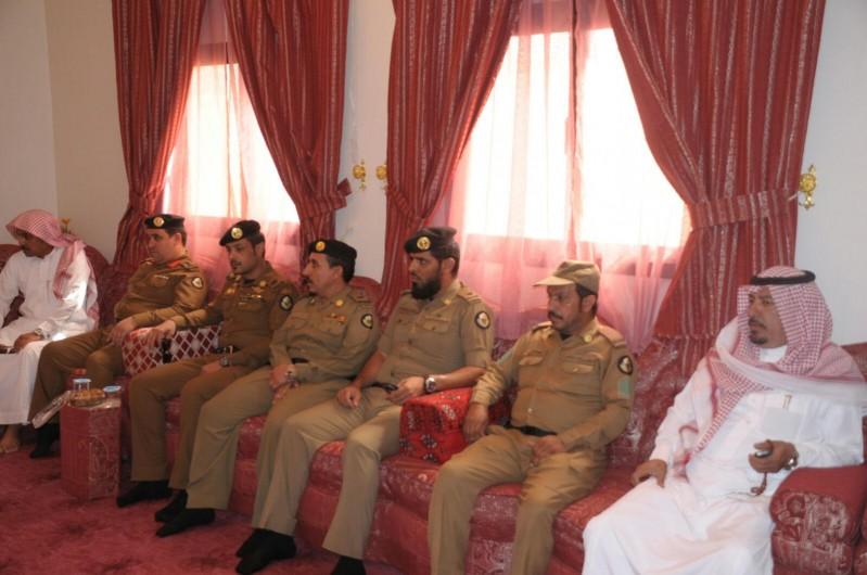 مدير شرطة حائل يزور ذوي المتوفين 3