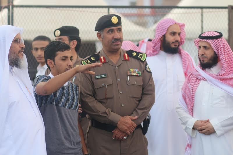 مدير شرطة عسير يزور خيمة أبها السياحية الدعوية 10