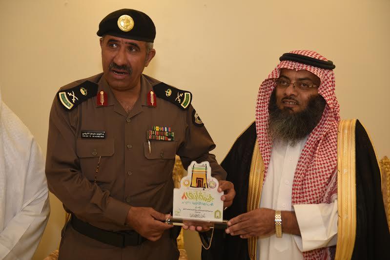 مدير شرطة عسير يزور خيمة أبها السياحية الدعوية 2