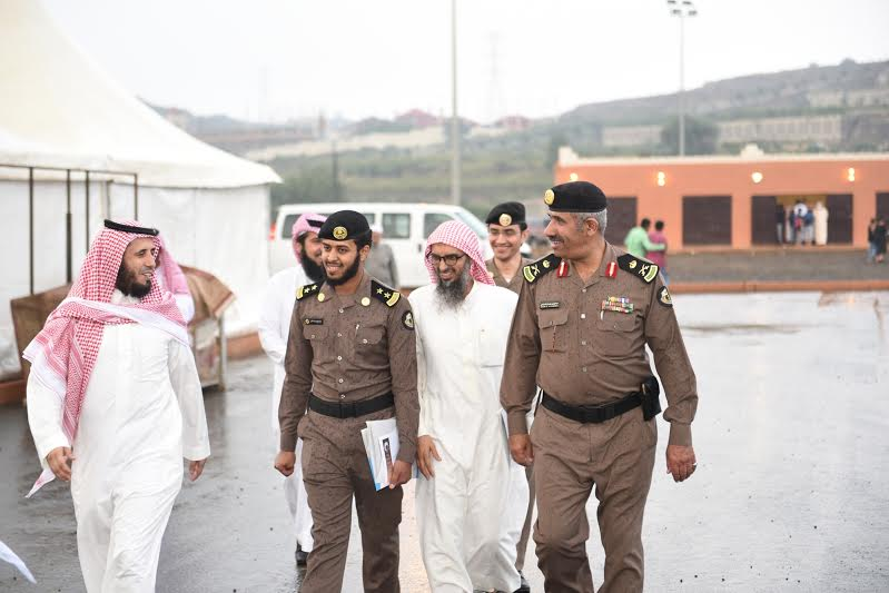 مدير شرطة عسير يزور خيمة أبها السياحية الدعوية 3